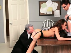 cutie taking weenie from both ends in psycho porn