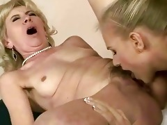 young girl licking old pussy
